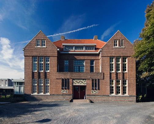Vakantiehuis De Vonk / Holiday Residence De Vonk ( J.J.P. Oud )