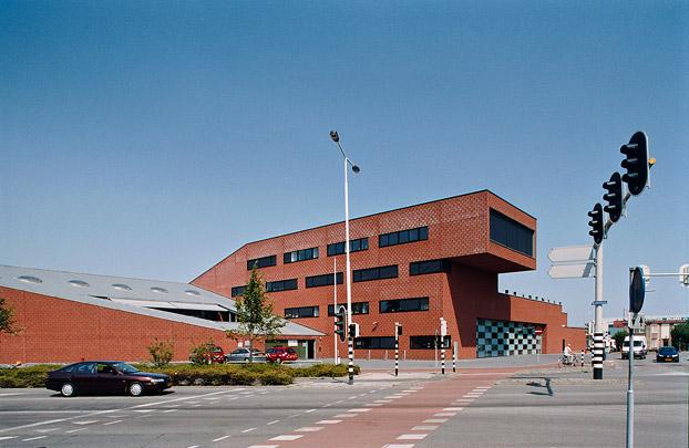 Brandweerkazerne Breda / Fire Station Breda ( Neutelings Riedijk i.s.m. J.D. Bekkering )