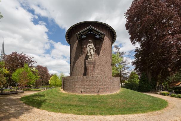 RK kapel Sint Oda / Roman Catholic Chapel Sint-Oedenrode ( M.J. Granpré Molière )