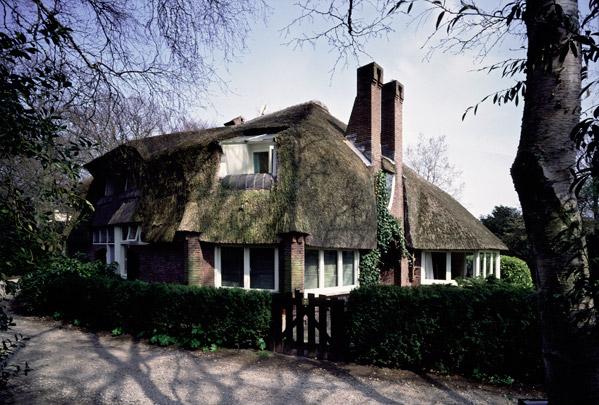 Woonhuis Meerlhuis (Park Meerwijk) / Private House Meerlhuis (Park Meerwijk) ( M. Staal-Kropholler )