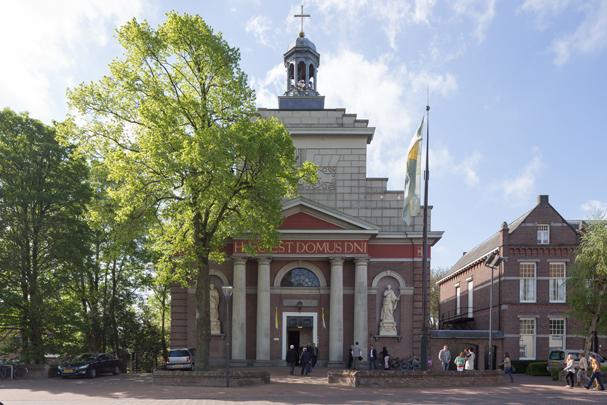 RK kerk Sint Bartholomeus Waspik / Roman Catholic Church Waspik ( E. de Kruijff )