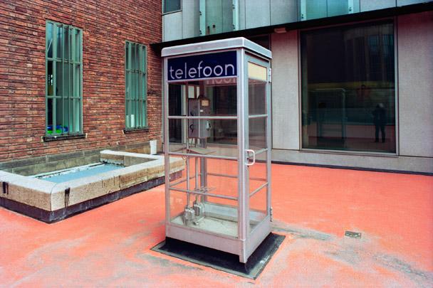 Telefooncel / Call Box ( Brinkman & Van der Vlugt )