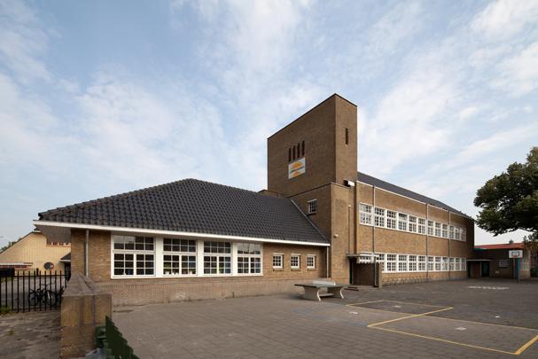 Kleuterschool Nelly Bodenheim/Minckelersschool Hilversum / Kleuterschool Nelly Bodenheim/Minckelersschool Hilversum ( W.M. Dudok )