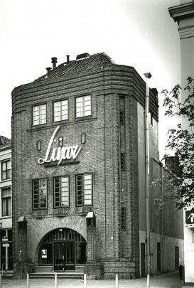Bioscoop Luxor Deventer / Cinema Luxor Deventer ( J.D. Postma, B. Hoogstraten )