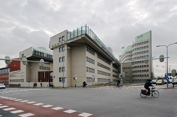 Hoofdkantoor PTT / Headquarters PTT ( F.J. van Gool (de Architekten Cie.) )