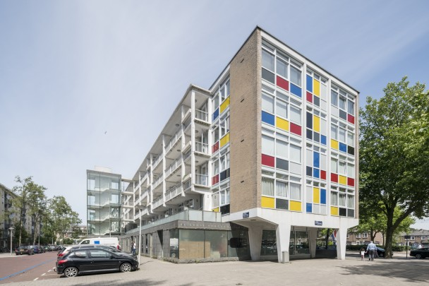 Woningbouw De Verfdoos / Housing De Verfdoos (the Paint Box) ( A. Warners )