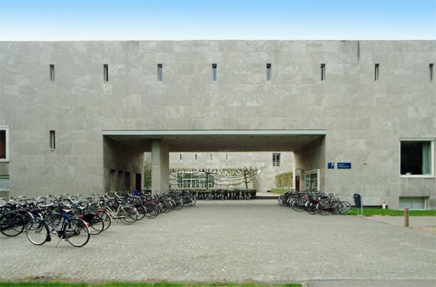 Economische Hogeschool Tilburg / School of Economics Tilburg ( J.H.A. Bedaux, J.A. van der Laan )