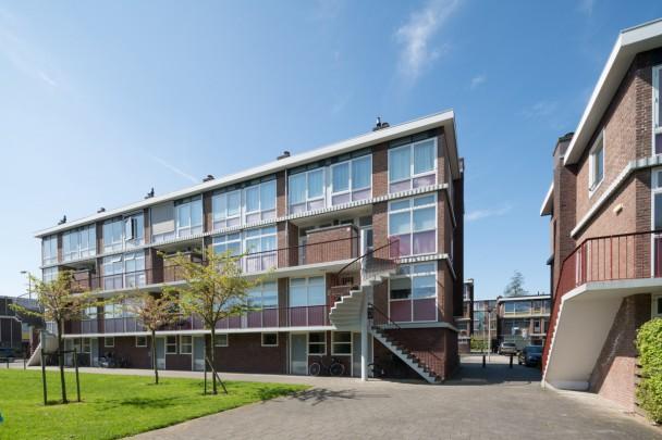 Woningbouw Robijnhof / Housing Robijnhof ( G.Th. Rietveld )