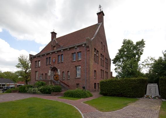 Raadhuis Grouw / Town Hall Grouw ( A.J. Kropholler )
