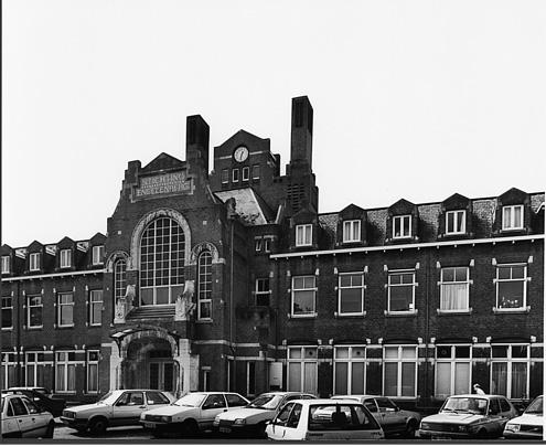 Ziekenhuis De Engelenbergstichting / Hospital De Engelenbergstichting ( W. Kromhout Czn. )