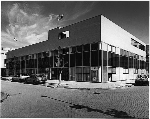 Arbeidsbureau Almere / Employment Exchange Almere ( H. Tupker )