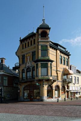 Centraal Apotheek Leeuwarden / Pharmacy Leeuwarden ( G.B. Broekema )