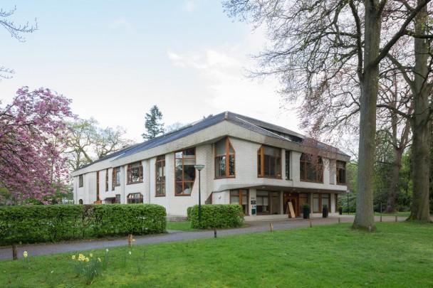 IONA-Gebouw Vrije Hogeschool / Anthroposophical Centre ( J.I. Risseeuw )