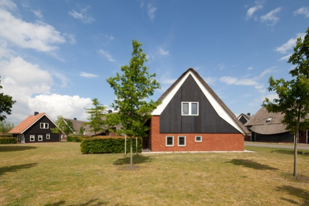 Recreatiewoningen Vakantiepark Hof van Saksen / Holiday Residency Hof van Saksen ( C. Kalfsbeek ) 