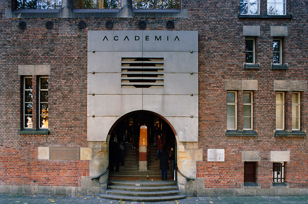 Bankgebouw R. Mees & Zoonen/Akademie voor Beeldende Kunsten / Bank Building R. Mees & Zoonen ( A.J. Kropholler, A.A. van Nieuwenhuyzen )