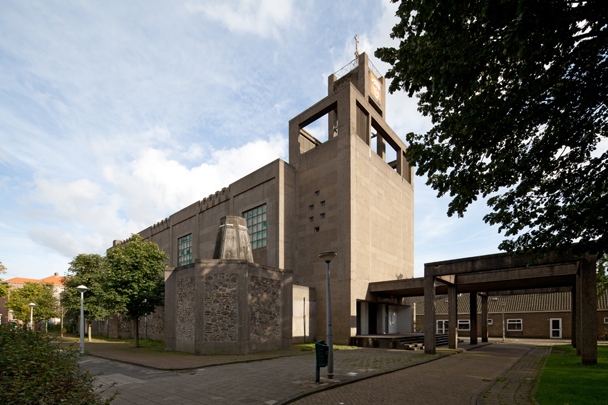 RK kerk Sint Jozef Bos en Lommer / Roman Catholic Church Bos en Lommer ( G.H.M. Holt, K.P. Tholens )
