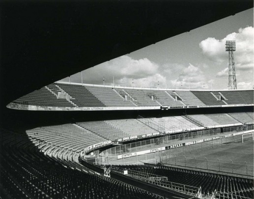 Stadion Feijenoord / Football Stadium Feijenoord ( Brinkman & Van der Vlugt )
