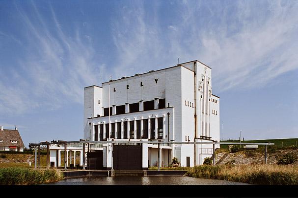 Gemaal Lely / Pumping Station Lely ( D. Roosenburg, Bureau Zuiderzeewerken )