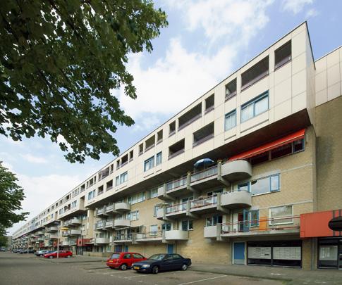 Woongebouw De Muur / Housing Block De Muur ( Apon, Van den Berg, Ter Braak, Tromp )