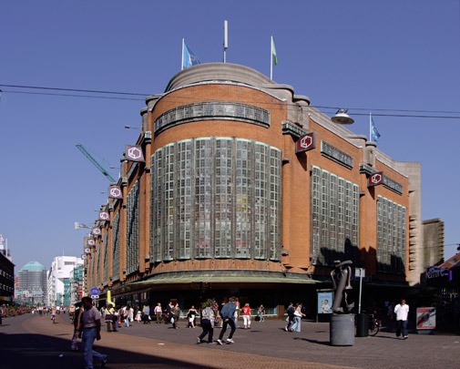 Warenhuis De Bijenkorf Den Haag / Department Store De Bijenkorf Den Haag ( P.L. Kramer )