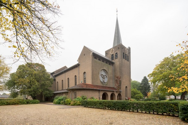 RK kerk Sint Barbara Bunnik / Roman Catholic Church Bunnik ( A.J.M. Boosten )