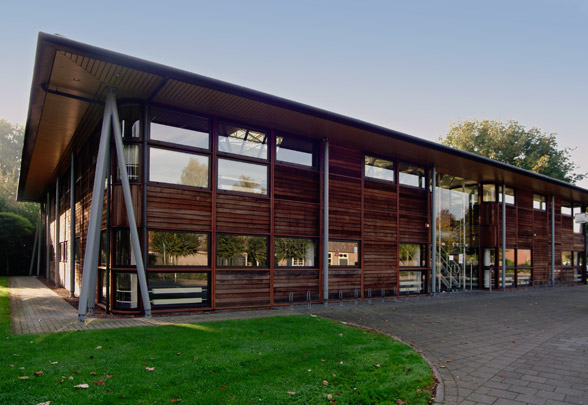 Arbeidsbureau Veghel  / Employment Exchange Veghel  ( H.A.J. Henket )