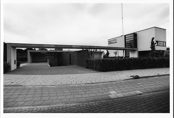 Zes Woonhuizen Deltalaan Tilburg / Six Private Houses Deltalaan Tilburg ( Diverse architecten )