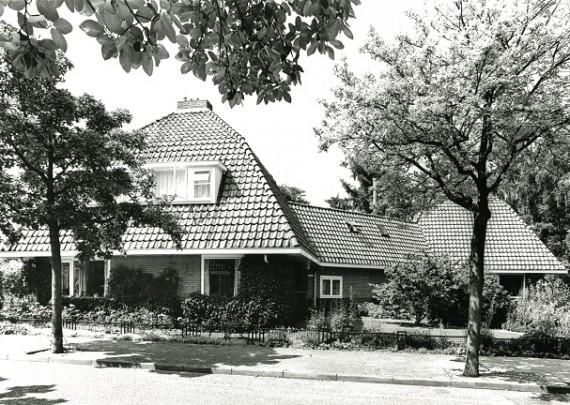 Woningbouw Velp / Housing Velp ( P. Vorkink, Jac.Ph. Wormser )