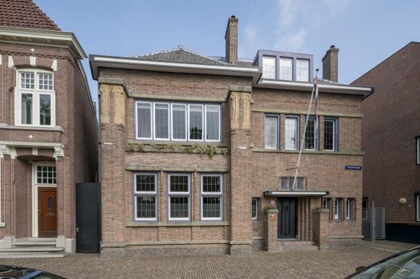 Woonhuis De Lange / Private House De Lange ( J. Wils )