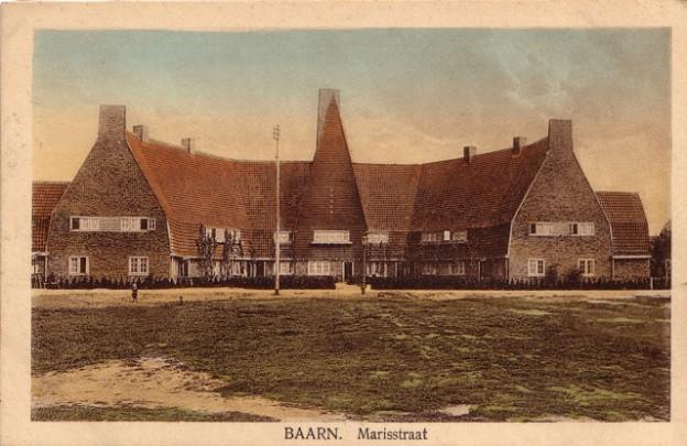 Woningbouw Het Rode Dorp (Baarn) / Housing Het Rode Dorp (Baarn) ( A.M. van den Berg )