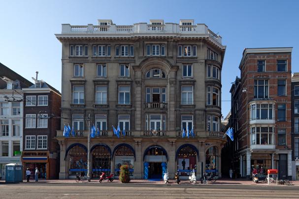 Maison de Bonneterie Amsterdam / Maison de Bonneterie Amsterdam ( A.J. Jacot )