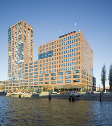 Woningbouw en Kantoren De Admiraal / Housing and Offices De Admiraal ( F.J. van Dongen (de Architekten Cie) )
