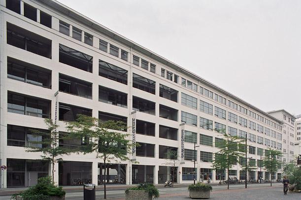 Kantoorgebouw de Witte Dame (Philips Lampenfabriek) / Office Building de Witte Dame (Philips Factory) ( Dirrix Van Wylick )