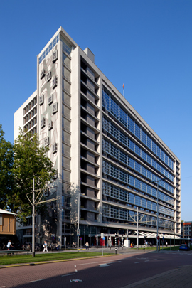 Stationspostkantoor Rotterdam (Central Post) / Railway Post Office Rotterdam (Central Post) ( E.H.A. & H.M.J.H. Kraaijvanger )