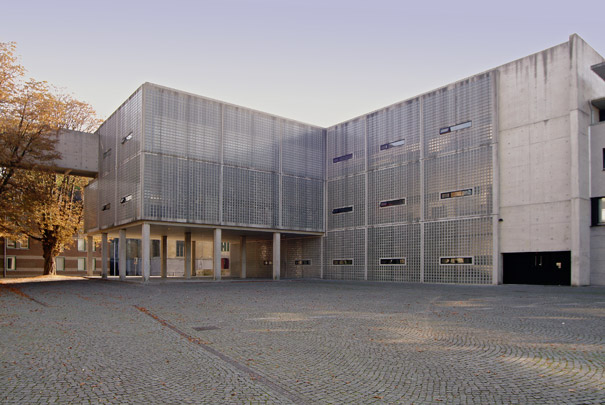 Academie Beeldende Kunsten Maastricht / Art Academy Maastricht ( W.M.J. Arets )