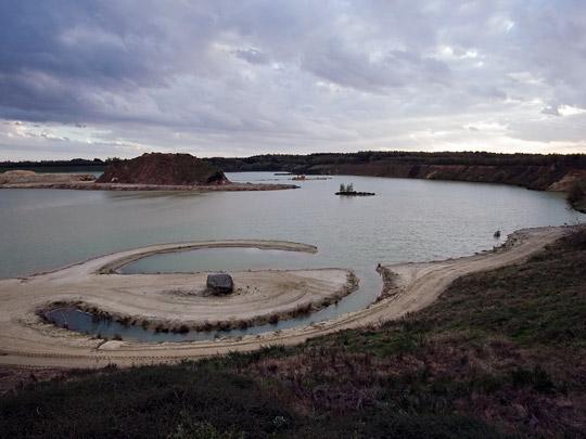 Broken Circle and Spiral Hill / Broken Circle and Spiral Hill ( R. Smithson )