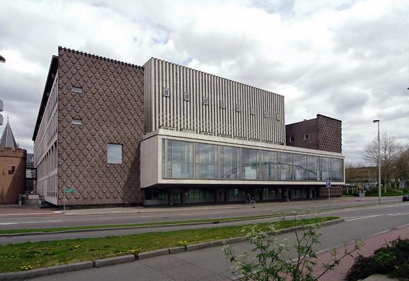 Provinciehuis Gelderland / Provincial House Gelderland ( J.J.M. Vegter, H. Brouwer )