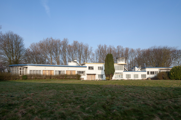Vliegveld Ypenburg / Ypenburg Airport ( Brinkman & Van der Vlugt )