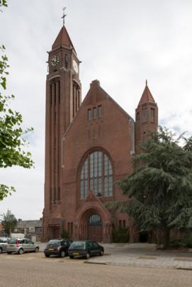 RK kerk Sint Joseph Roosendaal / Roman Catholic Church Roosendaal (Sint Joseph) ( Jac.M. Hurks, M. Vergouwen )