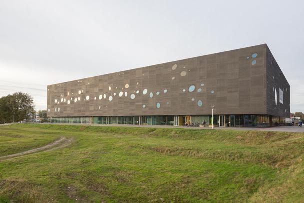 Sportcomplex T-Kwadraat / T-Kwadraat ( Bo.2, Van Hoogmoed architecten )