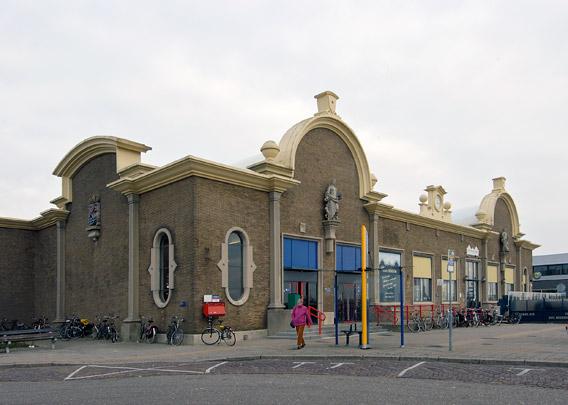 Station Vlissingen / Station Vlissingen ( S. van Ravesteyn )