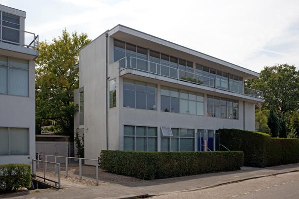 Woningbouw Erasmuslaan 1-3 / Housing Erasmuslaan 1-3 ( G.Th. Rietveld, T. Schröder-Schräder )