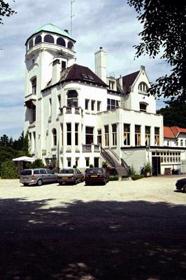 Jachtslot de Mookerheide / Hunting lodge de Mookerheide ( O. Leeuw, H. Leeuw jr. )