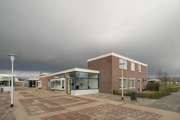 Winkelcentrum Nagele / Shopping Centre Nagele ( Van den Broek & Bakema )