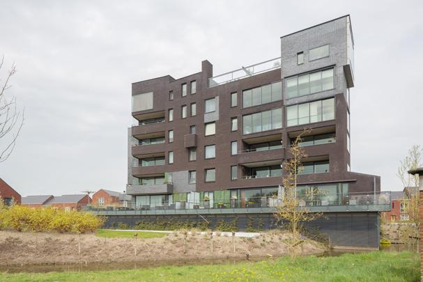 Woningbouw De Zilveren Zwaan  / Housing De Zilveren Zwaan  ( VenhoevenCS )